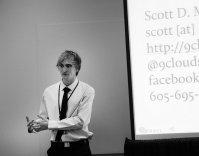 konferencja na temat technik sprzedaży, prelegent