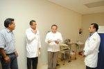 lekarze w gabinecie